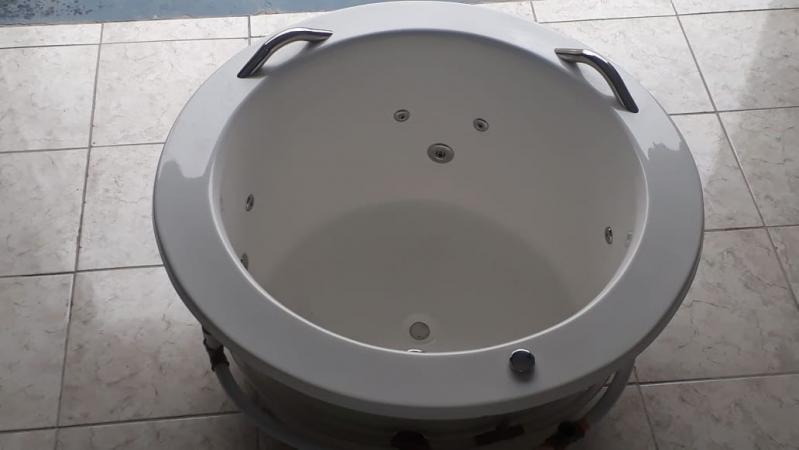 Banheira Redonda para Banheiro Preço São Félix do Xingu - Banheira Redonda de Fibra