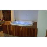 banheira spa com deck