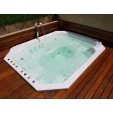 onde tem instalação de banheira spa com deck Londrina